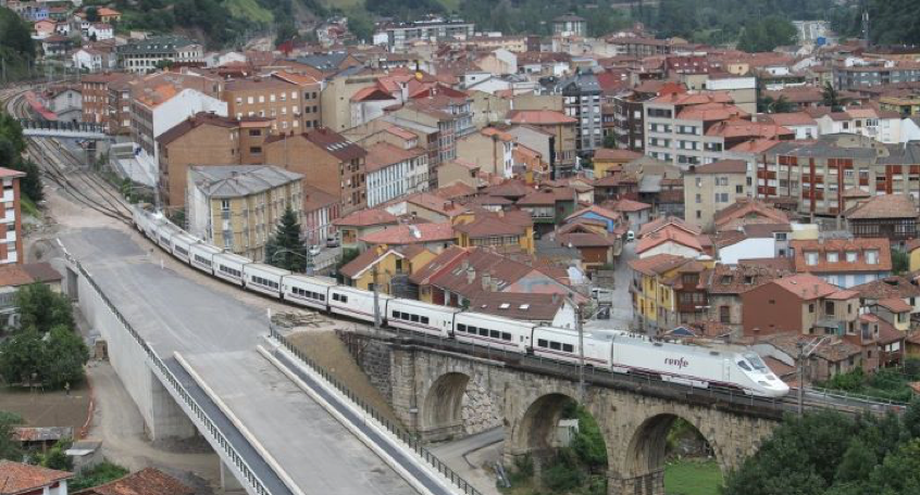 Tren en Asturias